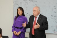 Head of Baku Branch of Lomonosov MSU Professor N.A. Pashayeva and the Dean of the Chemistry Faculty of Lomonosov MSU, Academician of RAS V.V. Lunin